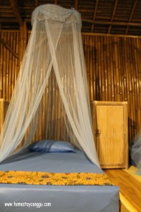 with mosquito net, self storage, top sheet